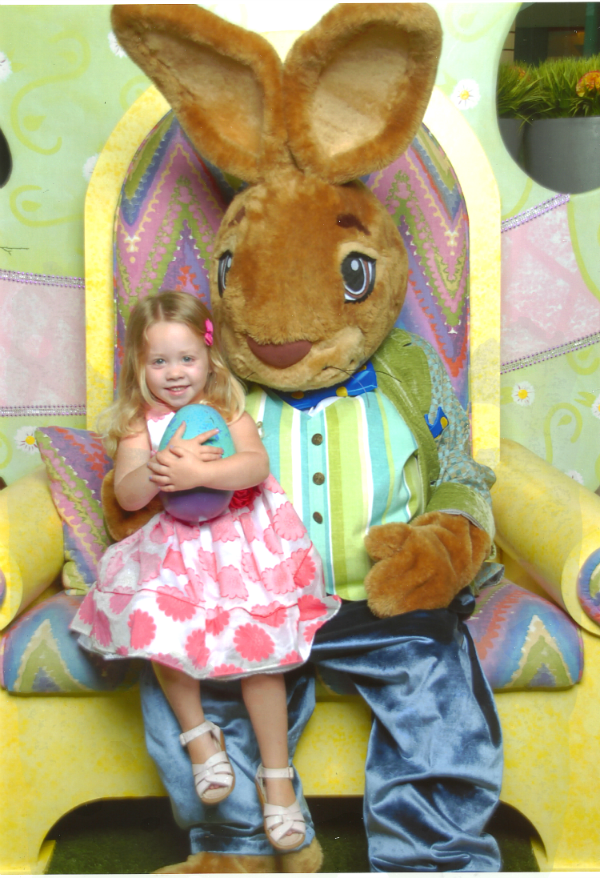 mall at millenia Easter bunny
