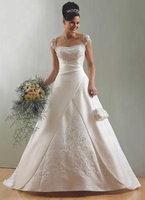 Cerita Asal Usul Mengapa Gaun Pengantin Berwarna Putih