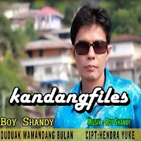 Lirik dan Terjemahan Lagu Boy Shandy - Duduak Mamandang Bulan