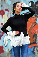 pulover feminin pe gat