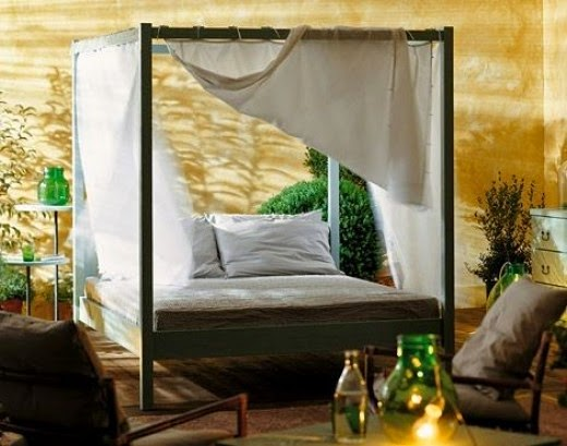WE81E Canopy Bed
