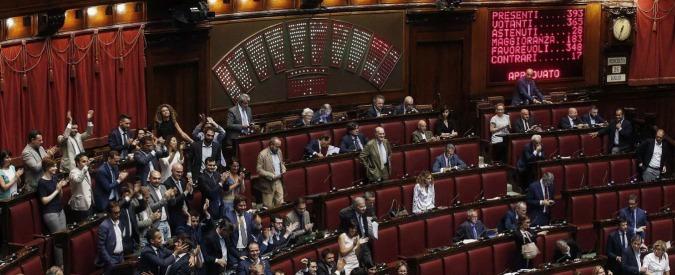 Reportages la camera approva la legge richetti sui for Vitalizi dei parlamentari
