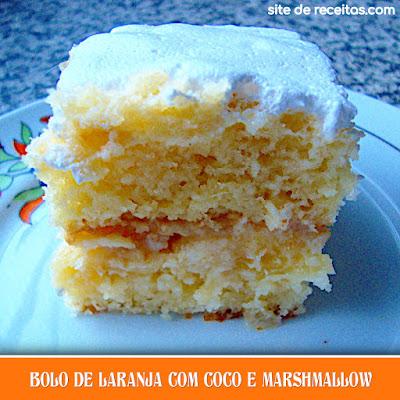 Bolo de laranja com coco e marshmallow