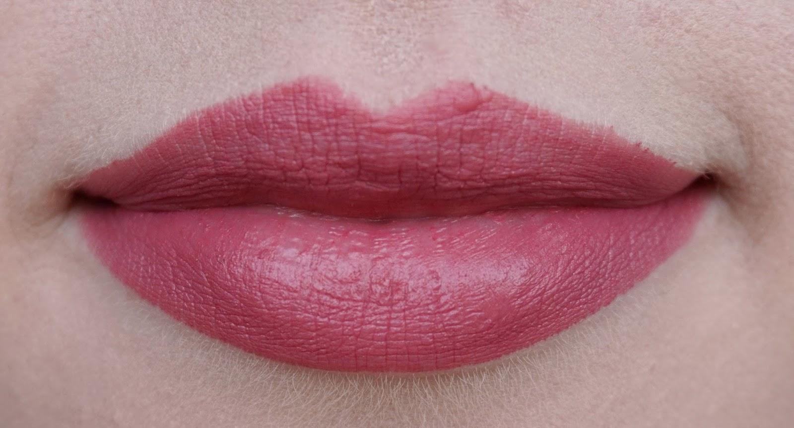 charlotte tilbury hot lips lipstick secret salama kim k.w. miranda may review swatches look secret salma 2 lip swatch