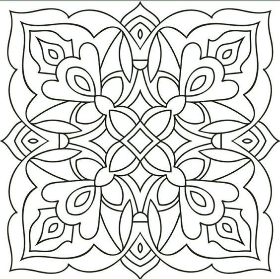 Tranh tô màu trang trí hình vuông lớp 8