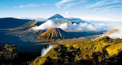 Panorama Keindahan Khas Gunung Bromo yang Memikat