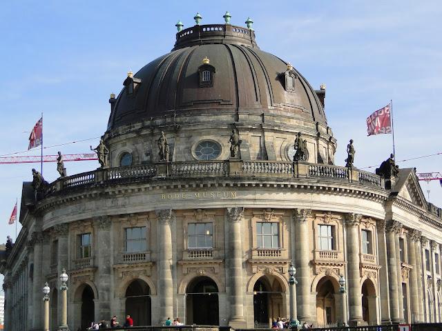 Museu Bode, na ilha dos museus, no rio Spree, em Berlim/Alemanha