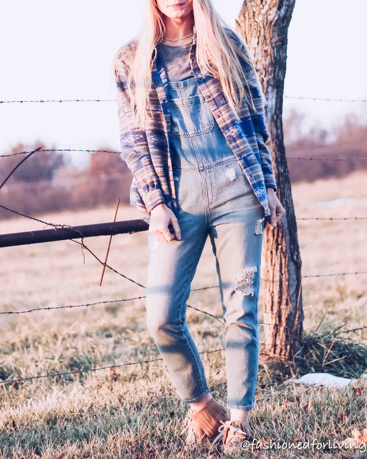 overalls outfit for winter, ariat cruisers outfit, tribal print jacket