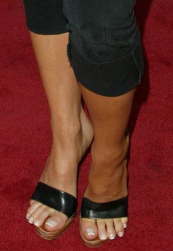 https://celebritygalaworld.blogspot.com/2012/06/kate-beckinsale-feet-biel-was-nervous.html