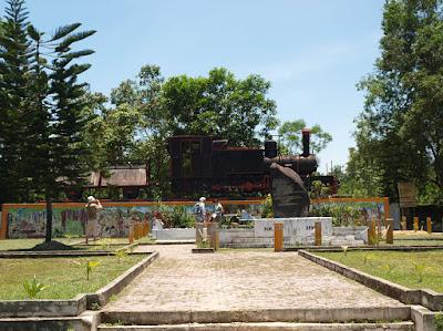 Lokasi Bersejarah tugu rel kereta api Pekanbaru Death Railway
