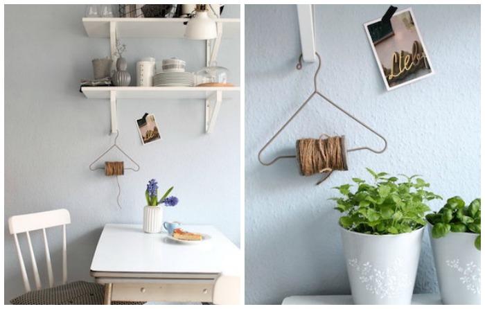 mesa office con estanteía, foco, percha