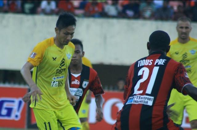 Gresik United vs Persipura Jayapura