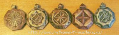 деревянные медальона