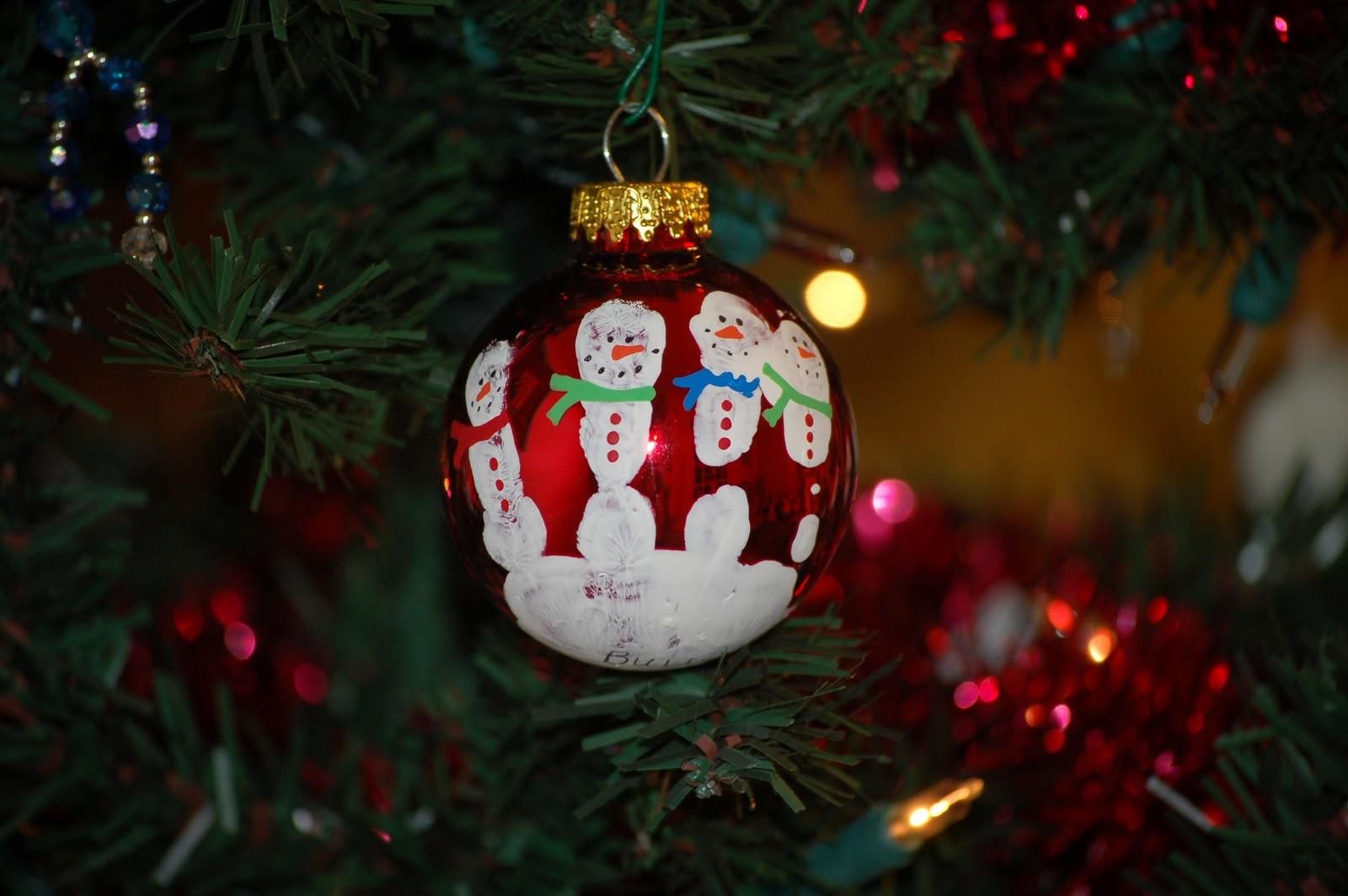 24/7 MOMS: Handprints And Fingerprints For Gift Giving