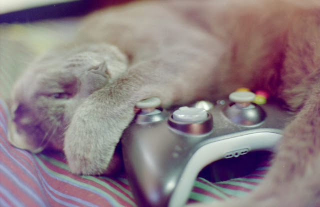 After a long day of gaming. by ocean.attic from flickr (CC-SA)