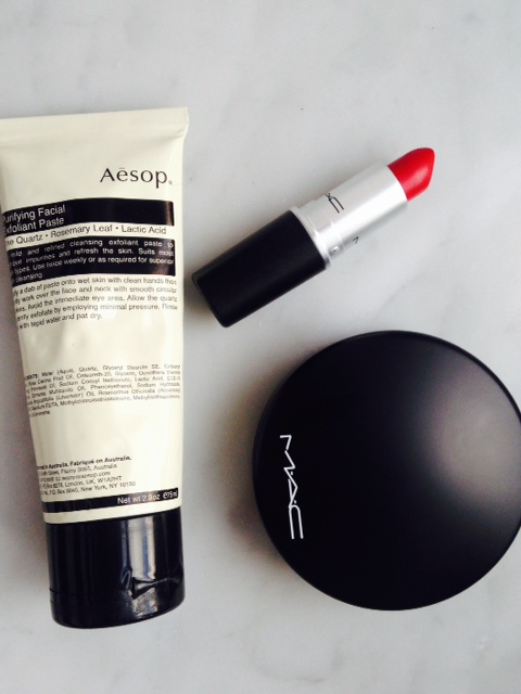puder Mac | Aesop Purifying Facial Exfolinat Paste.