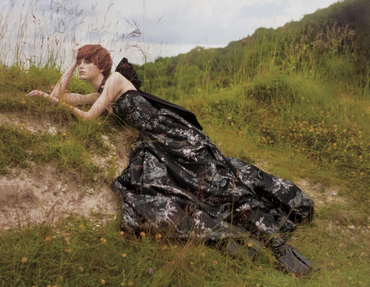 cd48fbde97a8 EDITORIAL Vogue US September 2016