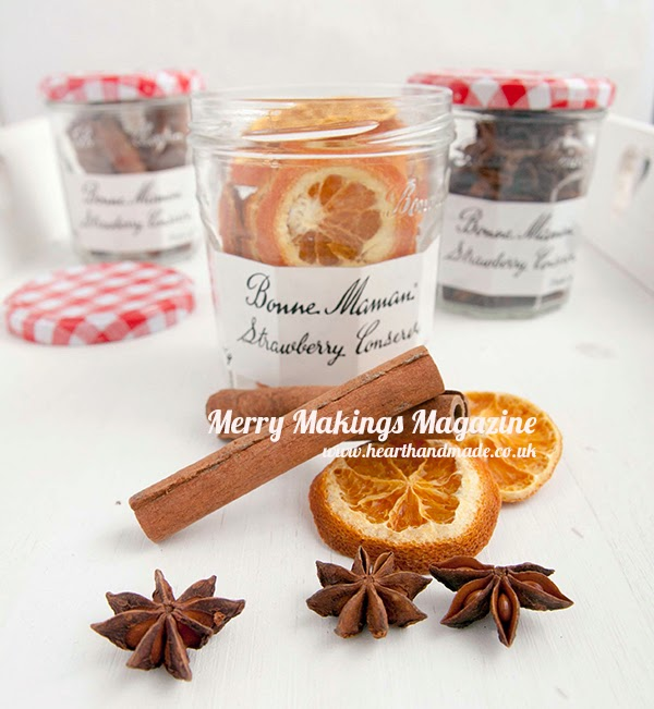 Christmas Scents in the free magazine - Merry Makings