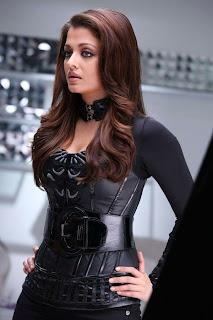 Aishwarya Stunning Look In Robot