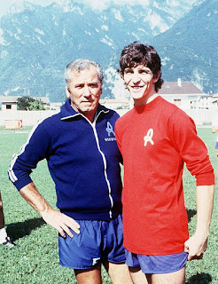 Rossi (right) with Giovan Battista Fabbri, the coach of Vicenza, who turned him into a striker