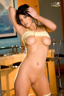 415138745 Mandy Moore 005LFV 123 486lo Mandy Moore Nude Possing her Boobs & Pussy Fake