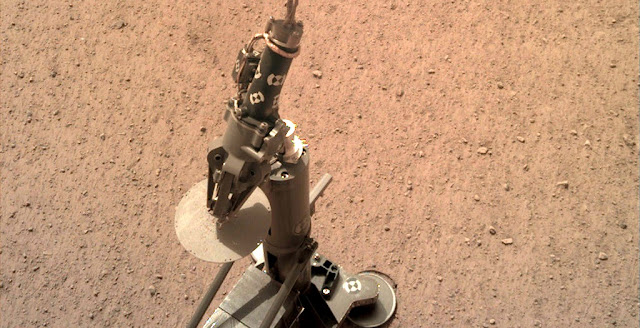 HP³ experiment on the Martian surface. Credit: NASA/JPL-Caltech
