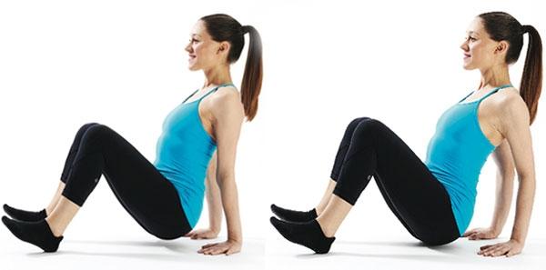 Bài tập này gần giống với động tác hít đất cơ bản, nhưng thay đổi duy nhất trong tư thế này là bạn cần một điểm tựa hoặc 1 cái bàn để tập. Thực hiện tư thế hít đất bằng cách chống hai tay vào 1 bục cao. Hai chân khép vào, hai tay rộng hơn vai. Lưng và vai duỗi thẳng để dồn trọng lượng lên các cơ cánh tay. Thực hiện 3 hiệp với 20 lần lặp.