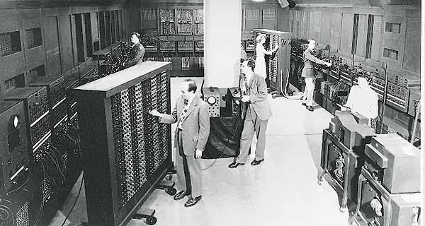 """الكمبيوتر """"ENIAC"""""""