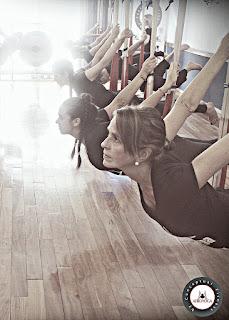 yoga, aeroyoga, argentina, buenos aires, profesorado, formacion, profesores, maestria, maestros, cursos, clases, escuela, yoga aereo, air yoga, columpio, trapeze, swing, aereo