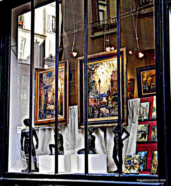 Vitrine de antiquário em Montmartre