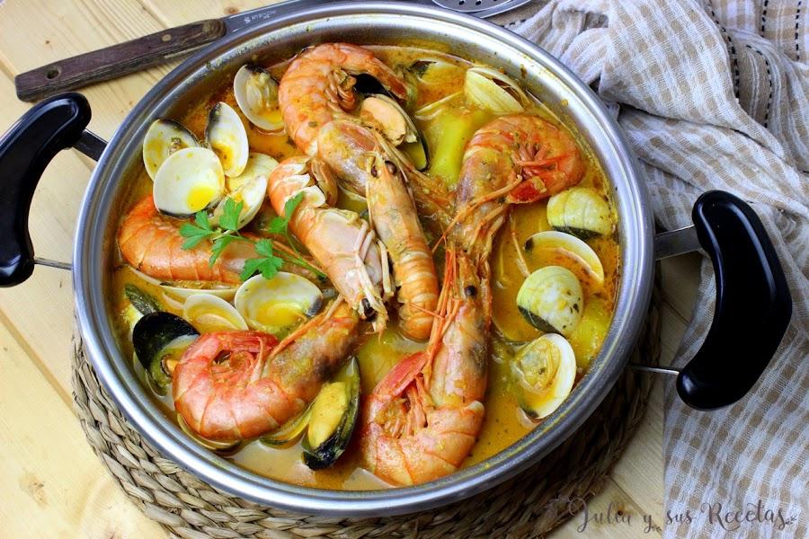 Suquet de merluza y marisco. Julia y sus recetas
