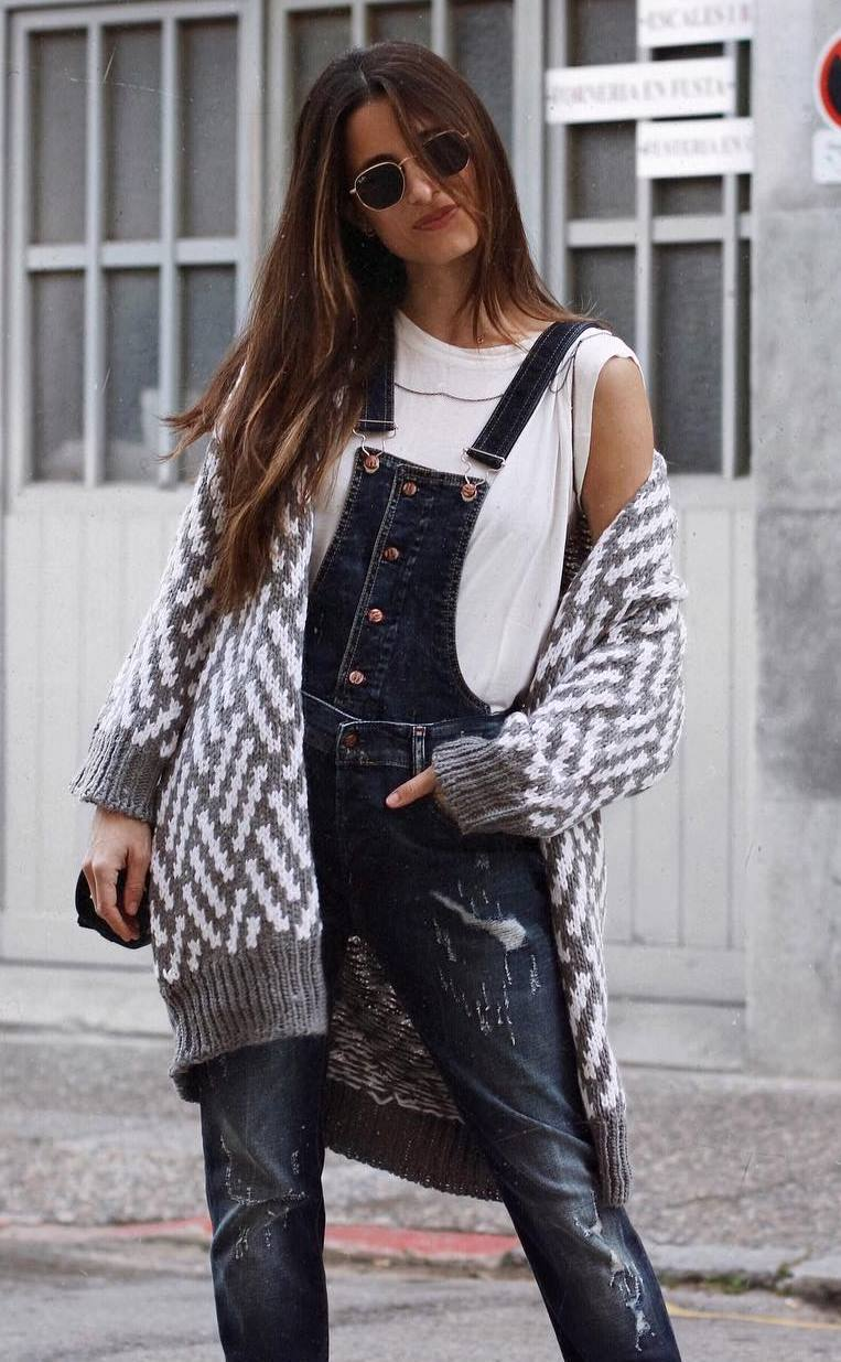 best fall outfit with jumpsuit : white tee and knit cardigan