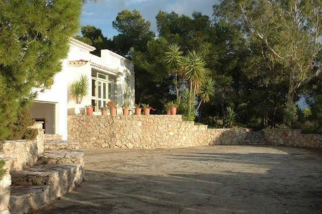 Πουλήθηκε με ηλεκτρονικό πλειστηριασμό το σπίτι Ψυχάρη στο Πόρτο Χέλι για 11,75 εκατ. ευρώ