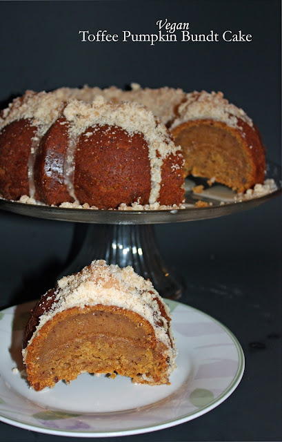 Pumpkin spice toffee bundt cake (#BundtBakers)