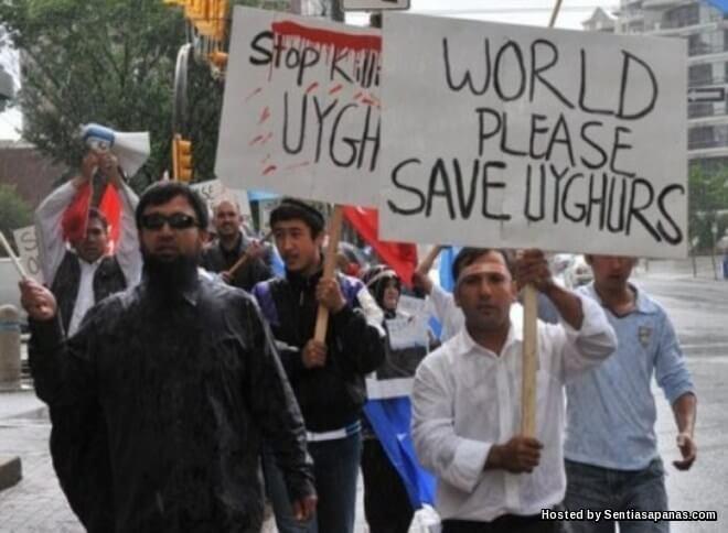 Muslim Uighur Di Xinjiang Yang Ditindas Pengganas China