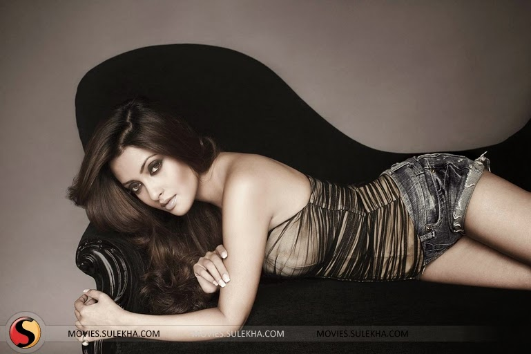 Riya Sen sexy Photos