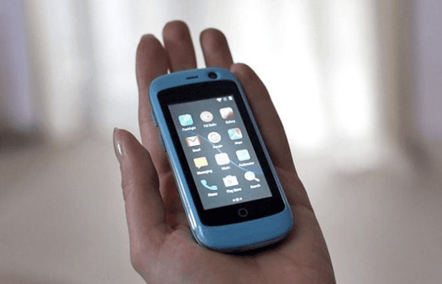 Smartphone Terkecil di dunia Jaringan 4G Lite