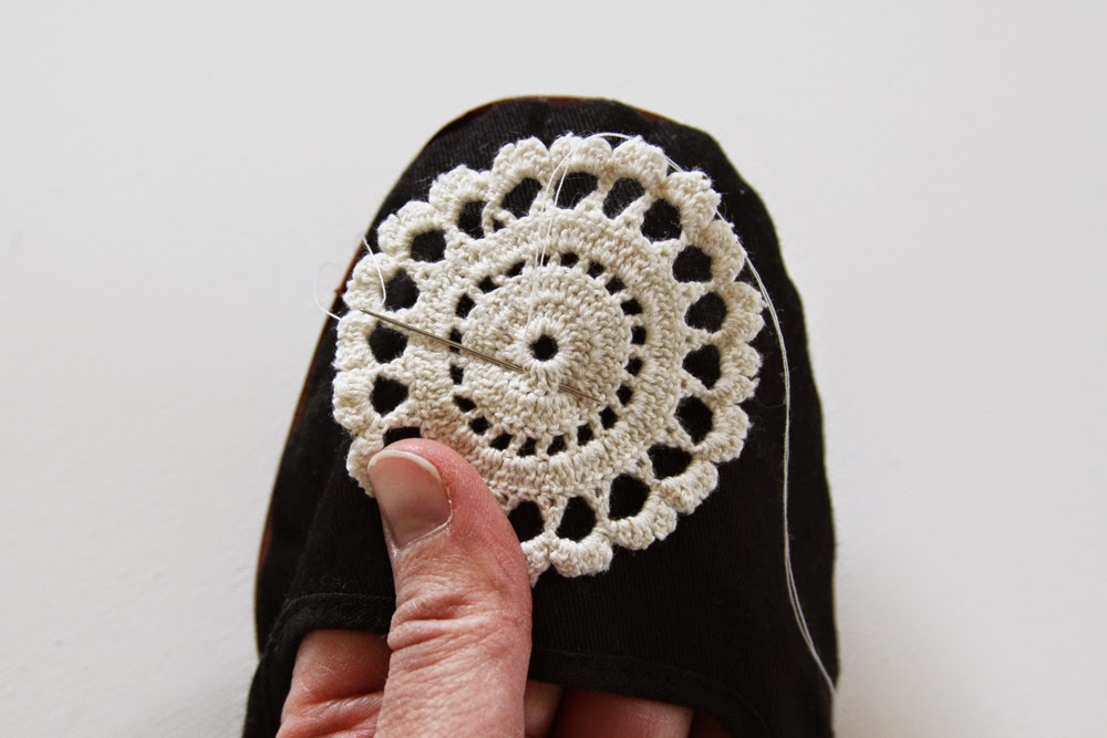 doily, sewing, shoe, DIY, adorned shoe, doily adorned shoe