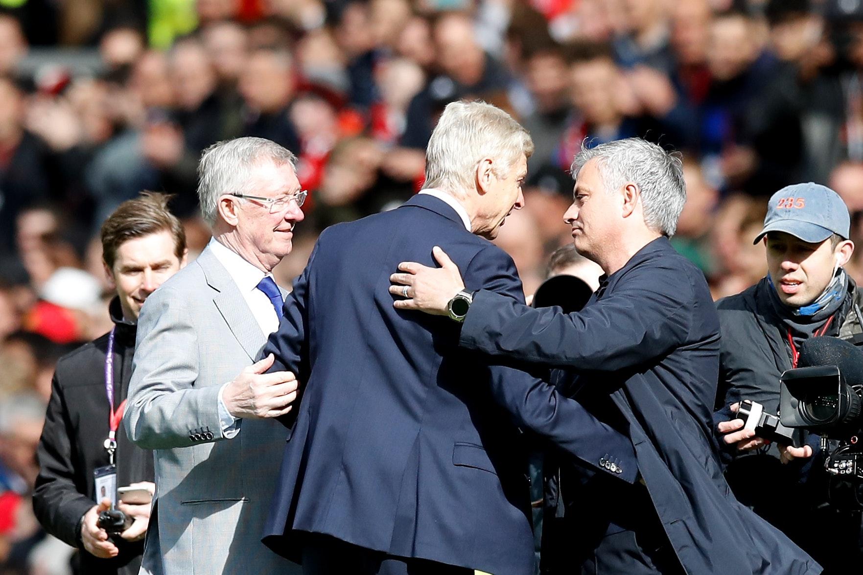 United, ARSEnal, những người muôn năm cũ...