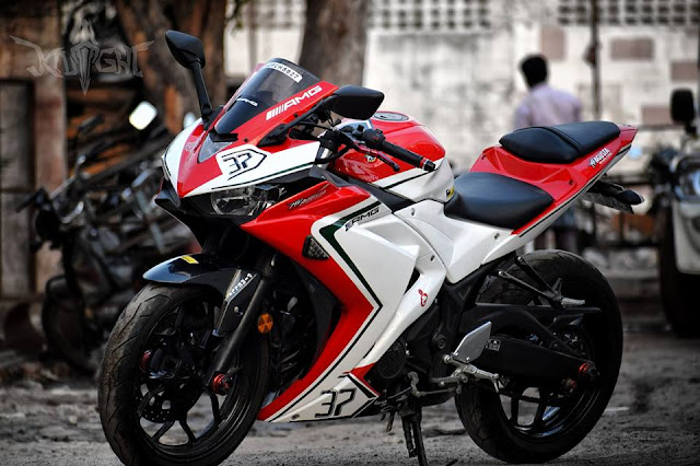 Yamaha R3 modified in MV Agusta