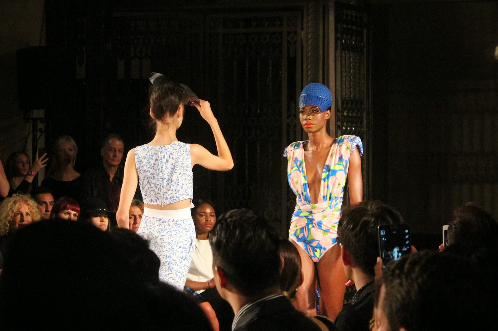 london-fashion-week-2014-lfw-spring-summer-2015-blogger-fashion-freemasons hall-fashion-scout-ashley-isham-catwalk-models-top-skirt-swimsuit