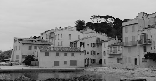 Two photos of La Ponche in the old part of Saint-Tropez