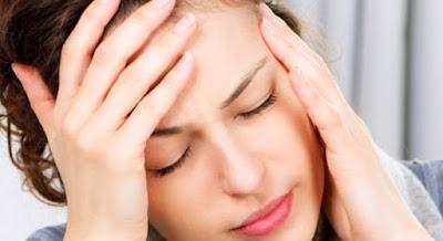 Rối loạn tiền đình thường gây ra những cơn chóng mặt, nhức đầu,..thậm chí là ngất xỉu