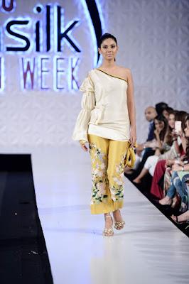 Saira-shakira-jie-collection-2017-at-sunsilk-fashion-week-10