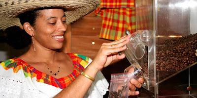 Vente de café à la boutique de La Grivelière