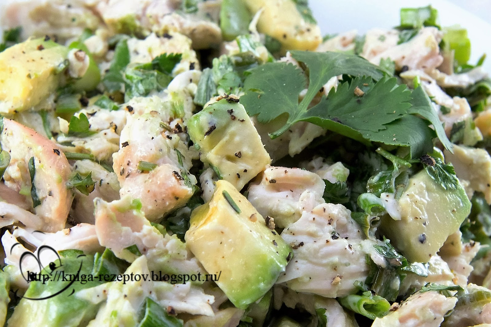 салат из курицы из авокадо