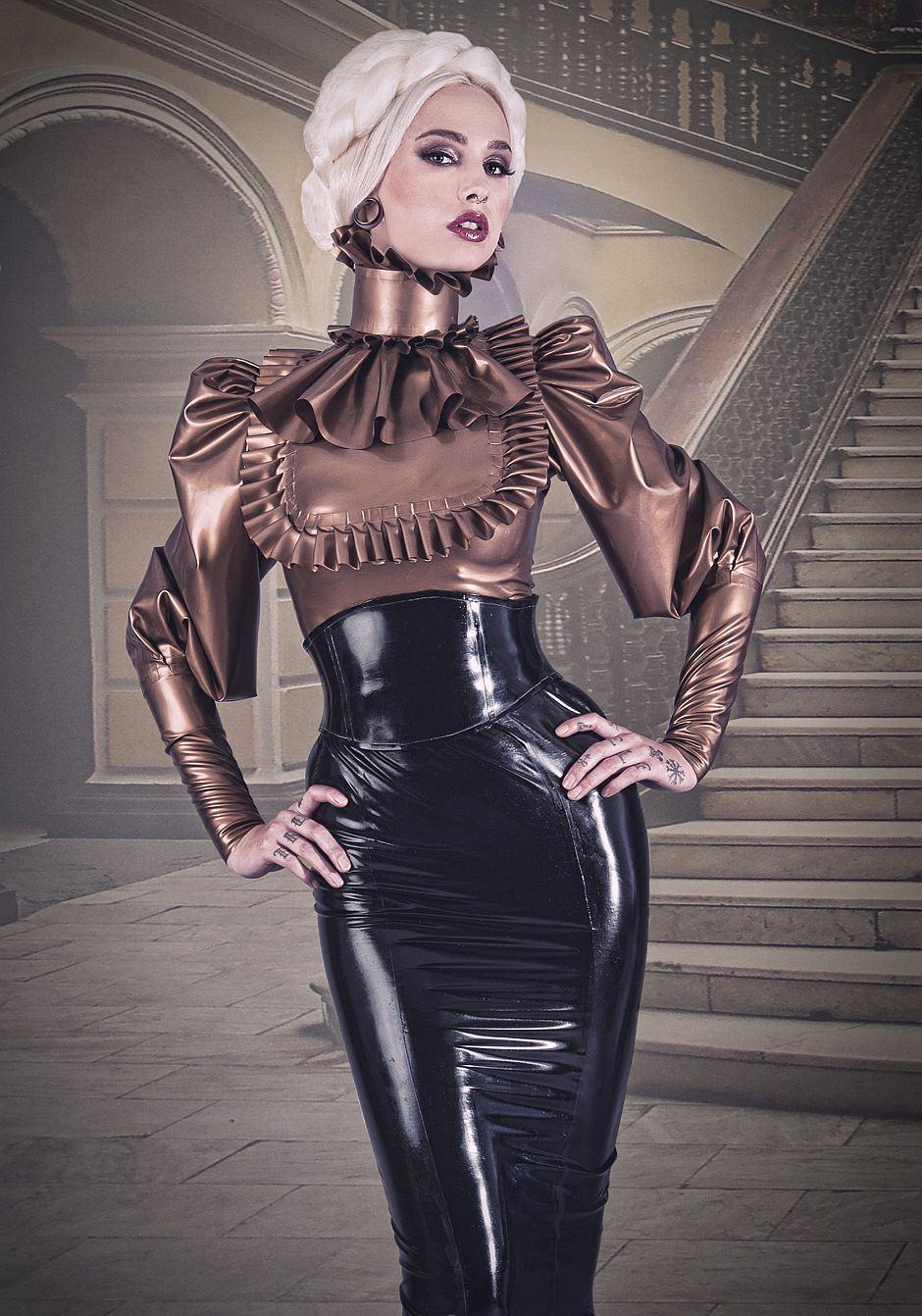 Europe Fashion Men S And Women Wears Femme Fatale A
