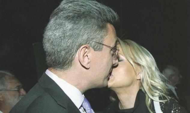 Ν. Χατζηνικολάου- Κ. Τσολακάκη: Τρυφερά φιλιά μετά τη γέννηση της ...