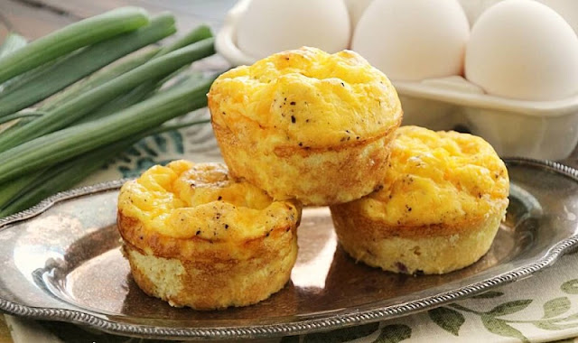 cheddar egg muffins, eggs in ham cups, healthy breakfast carbs,