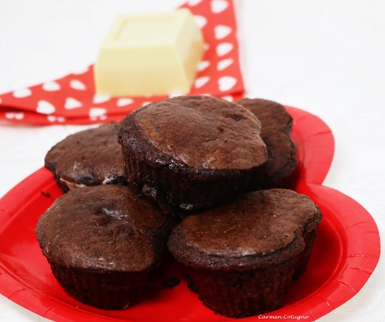 Ricetta Muffin al cacao con cuore al cioccolato bianco